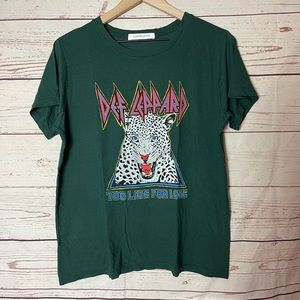 Def Leppard Too Late for Love Graphic Tee Small